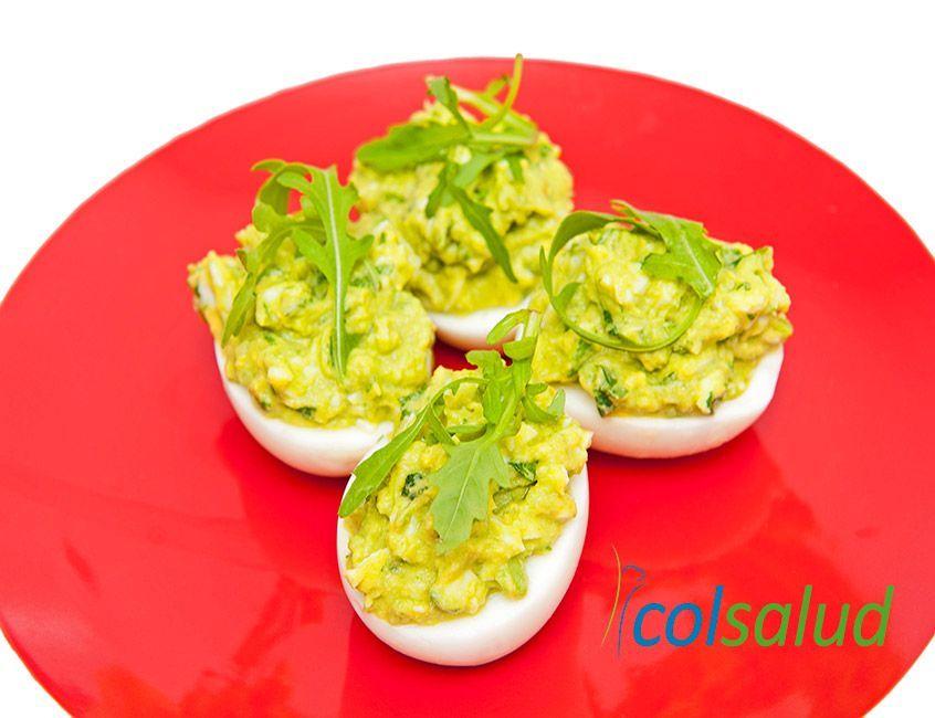 Huevos rellenos con guacamole