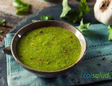 Salsa verde de albahaca y cilantro