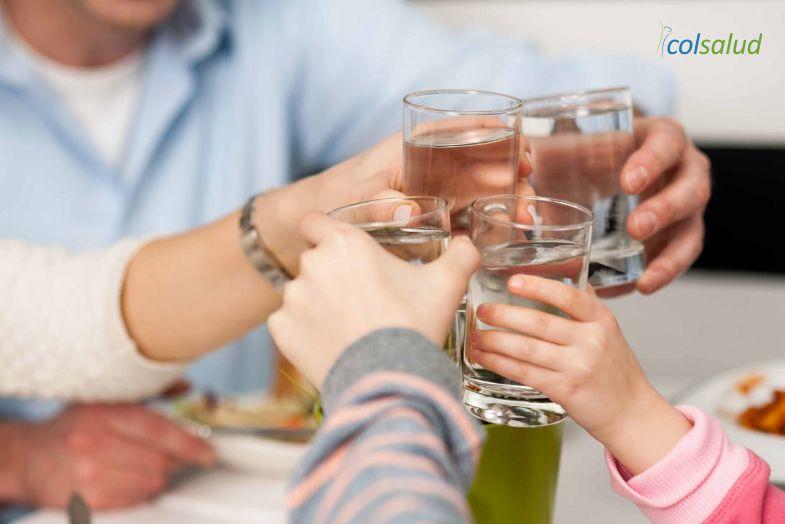 beber-liquidos-comida2