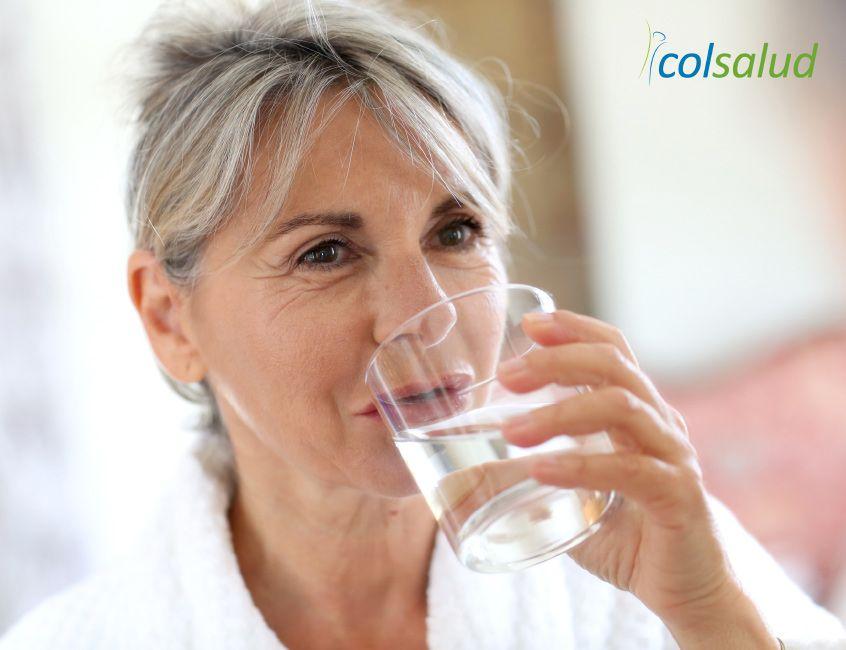 deberias-beber-agua1